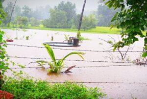 सावंतवाडी आकेरी मुंबई NH17 रस्त्तावर पाणी