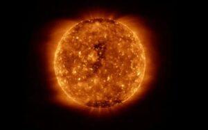 २५ वा सौरचक्र सुरू होणार आहे, त्याचा काय परिणाम होऊ शकतो हे जाणून घ्या.