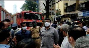 मुंबई सेंट्रल येथिल अग्निग्रस्त सिटी माॅलला पालकमंत्री अस्लम शेख यांनी दिली भेट.