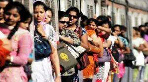 महिलांचा लोकल प्रवास सुरू करत असताना ठाकरे सरकारची होतेय कोंडी….!!!!