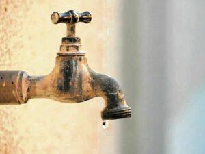 आरोस ग्रामपंचायतीच्या नळपाणी योजनेला नाही पाणी…
