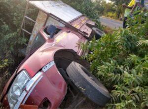करुळ येथे चालकाचा ताबा सुटल्याने टेम्पोचा अपघात…