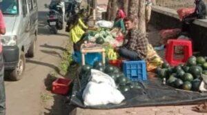 सावंतवाडीचा आठवडा बाजार मोती तलावाच्या काठावर…