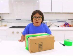 Read more about the article नऊ वर्षाचा मुलगा रेयान काजी या वर्षीचा सर्वाधिक कमाई करणारा युट्यूबर