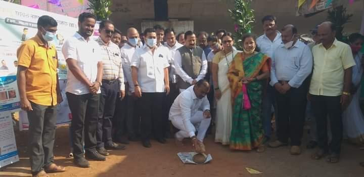 गावठी मालाला मुंबईत मार्केट उपलब्ध करून देणार – नितेश राणे