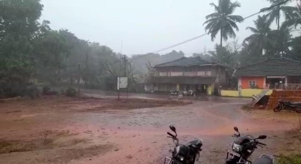 अवकाळी पावसामुळे शेतकऱ्यांचे मोठे नुकसान