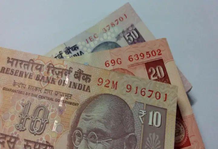 पाच, दहा, शंभर रुपयांच्या जुन्या नोटा मार्च- एप्रिल अखेर चलनातून होणार बाद
