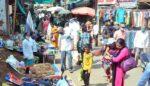 विना माक्स फिरणाऱ्यांवर २०० लोकांवर तीन दिवसात दंडात्मक कारवाई, मात्र आठवडा बाजार चालू….