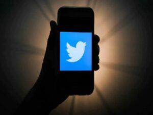 ट्विटरला केंद्र सरकारकडून नोटीस, आदेशाचे पालन न केल्यास कडक कारवाईचा इशारा