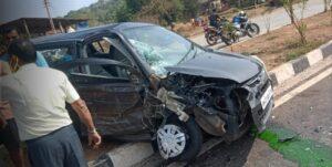 पावशीत सातेरी मंदिराजवळ अपघात
