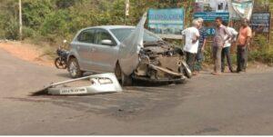 दोन चारचाकीत समोरासमोर धडक,गाड्यांचे मोठे नुकसान…