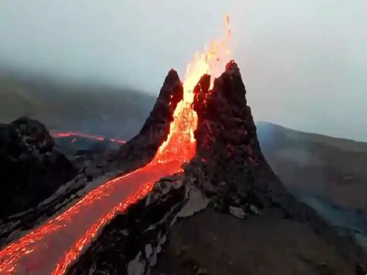 मृत ज्वालामुखीचा उद्रेक…