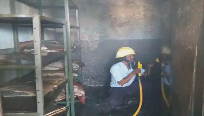 येरवड्यातील नेताजी हायस्कूलच्या रेकॉर्ड रूमला आग