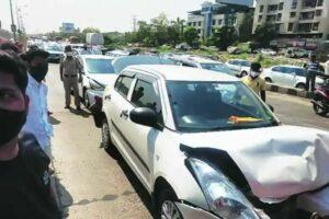 सहा कारचा विचित्र अपघात