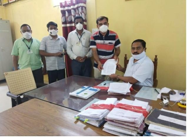 अखिल महाराष्ट्र प्राथमिक शिक्षक संघाने घेतली तहसिलदारांची भेट