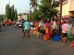 जनता कर्फ्यूच्या पार्श्वभूमीवर सावंतवाडी बाजारपेठेत आंबा विक्रेत्यांची गर्दी