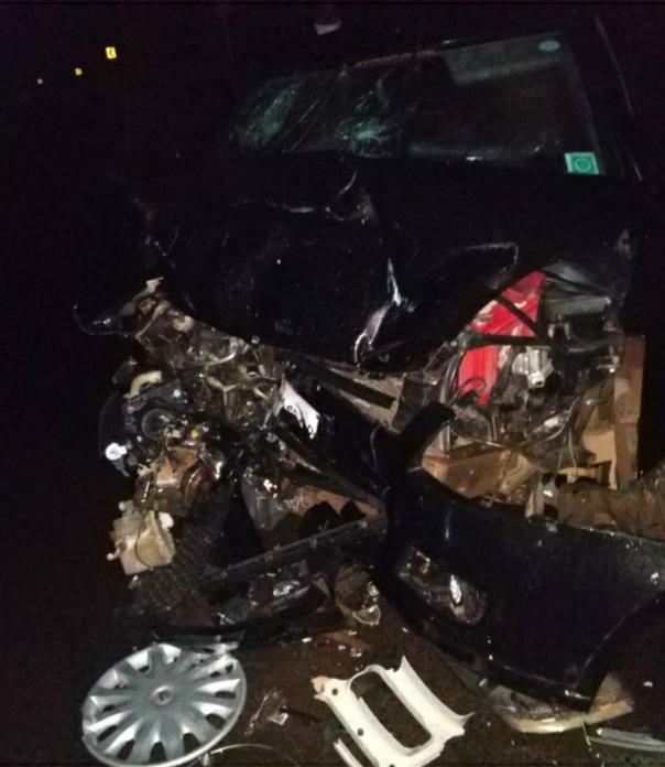 महामार्गावर जाणवली येथे स्विफ्ट कार व दूध वाहतूक करणाऱ्या बलेरोमध्ये अपघात