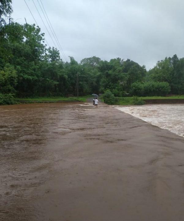 वैभववाडी तालुक्यात मुसळधार पाऊस : अनेक रस्ते पाण्याखाली