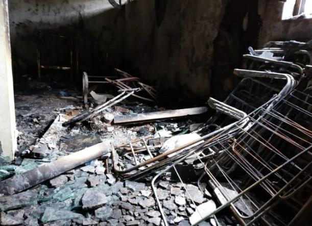 बांदा येथे गोडाऊनला लागलेल्या आगीत ८० लाखाचे नुकसान…