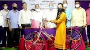 Read more about the article सुरेश प्रभू यांनी नेहमीच सामाजिक उपक्रमांना प्राधान्य दिले, सायकल बँक उपक्रम कौतुकास्पद
