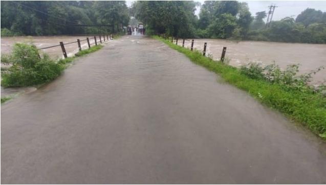 फोंडा मार्गावरील वाहतूक ठप्प : लोरे येथील पूल पाण्याखाली