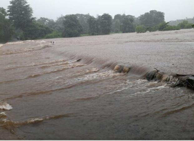 माणगाव खोऱ्यातील निर्मला नदीला पूर; २७ गावांचा संपर्क तुटला…