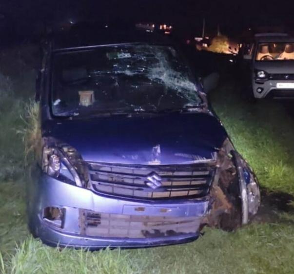 You are currently viewing देवगड तळेबजार येथे झालेल्या कार अपघातात चालकाचा मृत्यू