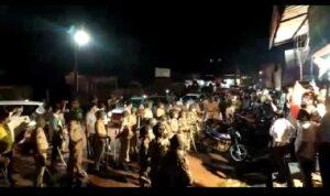 नारायण राणेंच्या जन आशीर्वाद यात्रेला कुडाळमध्ये शिवसैनिकांनी जोरदार घोषणाबाजीने केला विरोध