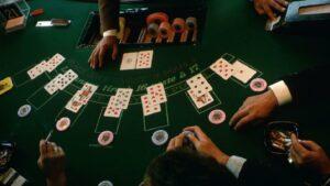 Read more about the article धर्मादाय आयुक्तांच्या परवान्यावर क्लबमध्ये खेळला जातो जुगार