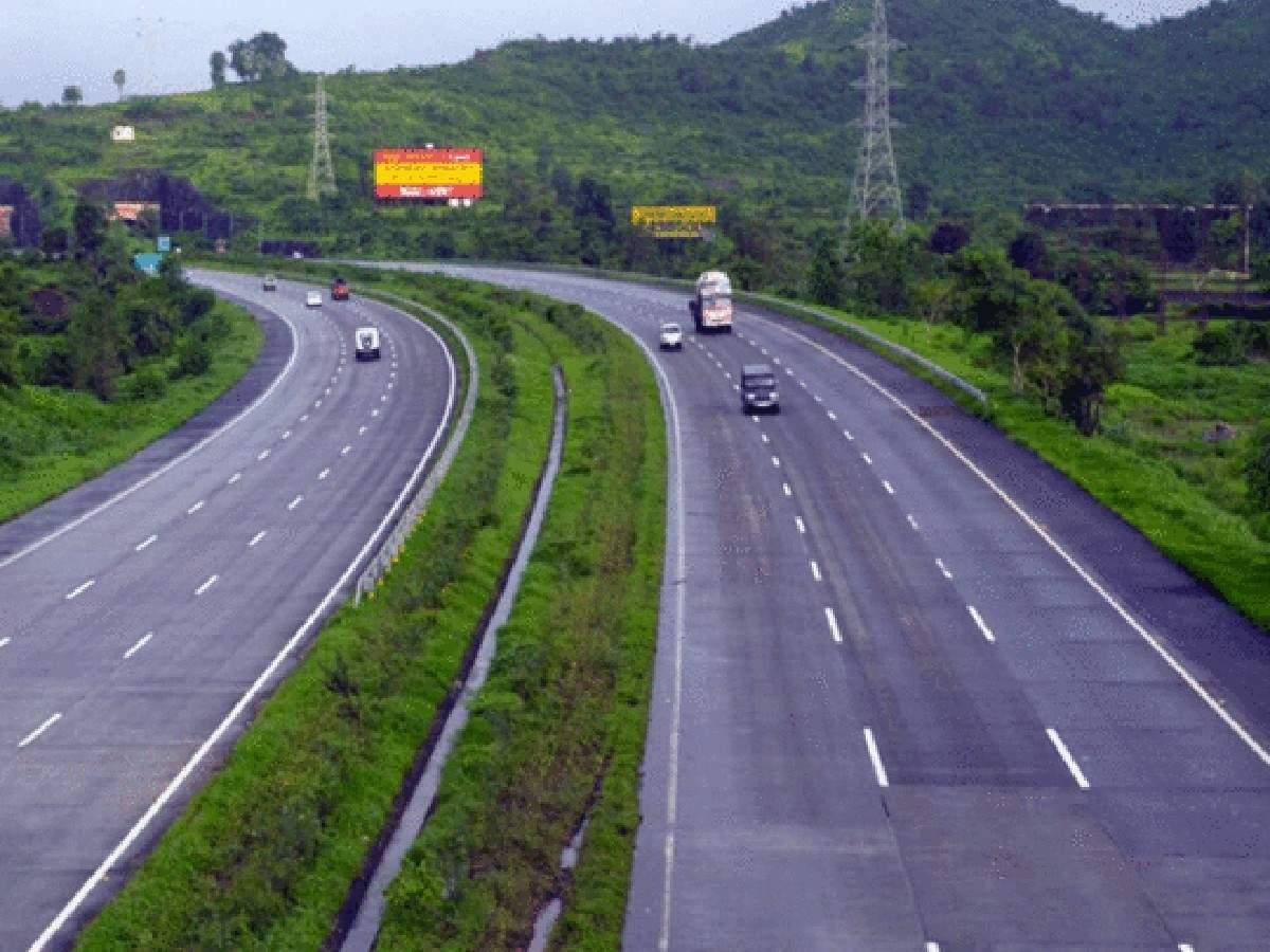 You are currently viewing गणेशोत्सवाच्या काळात मुंबई – गोवा राष्ट्रीय महामार्गावर अवजड वाहनांना बंदी