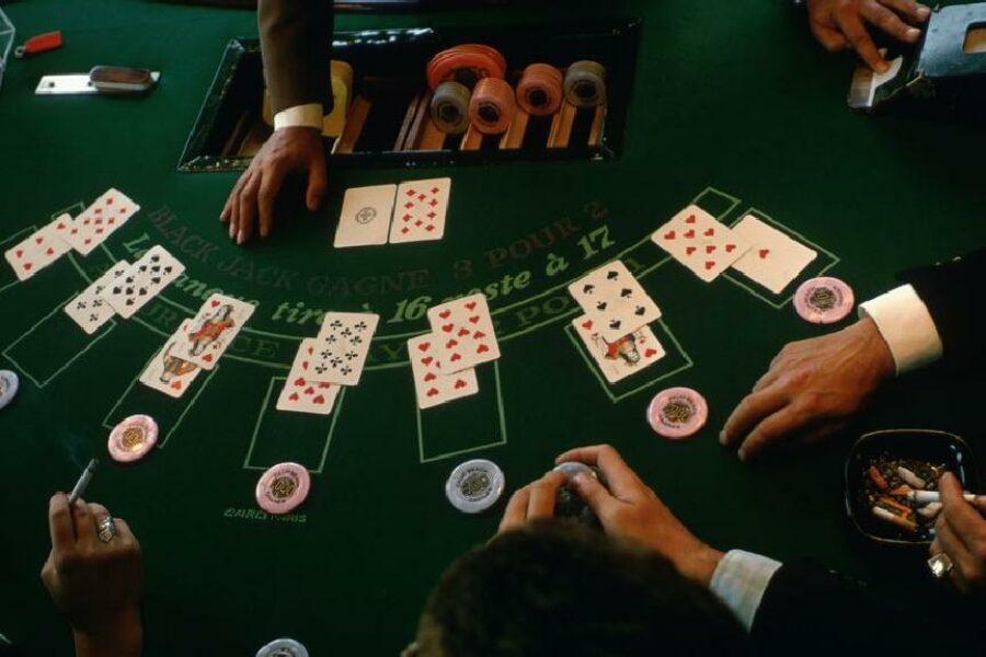 सिंधुदुर्ग जिल्ह्यातील सोशल क्लब जुगाराचे अधिकृत अड्डे